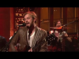 Kings of Leon perform Radioactive on Saturday Night Live on 23/10/2010